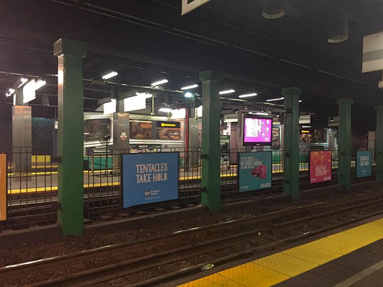 Trilhos de uma estação de metrô em Boston