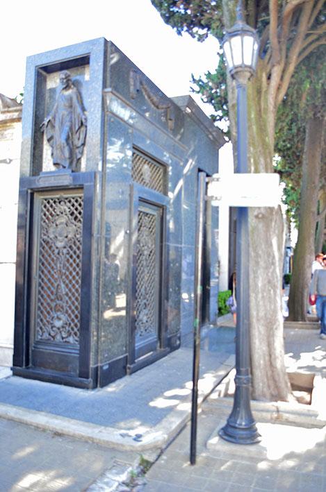 Sinalização para o túmulo de Evita Perón